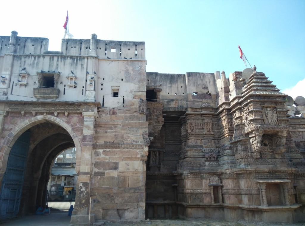 The eastern gate of Dabhoi Fort
