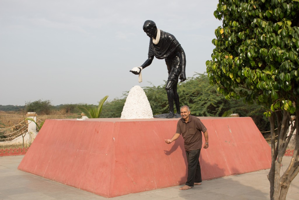 mahatma statue at Dandi