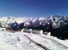 auli snow